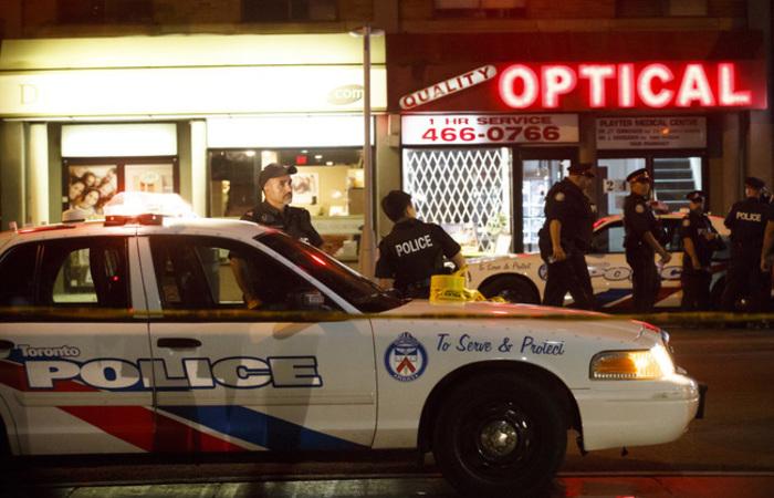 O atirador morreu após uma troca de disparos com a polícia. Foto: Cole BURSTON / AFP