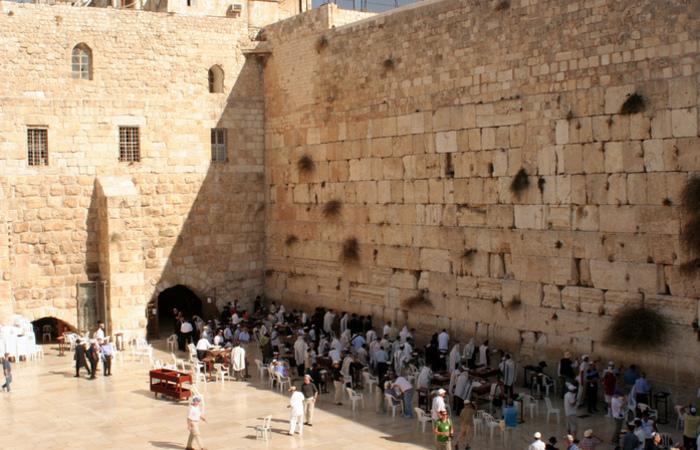 O Muro das Lamentações é o único vestígio de um muro do segundo Templo judeu. Foto: Reprodução/Flickr