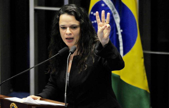 Janaína Paschoal foi a terceira pessoa convidada a ser vice de Bolsonaro. Foto: Minervino Júnior/CB/D.A Press