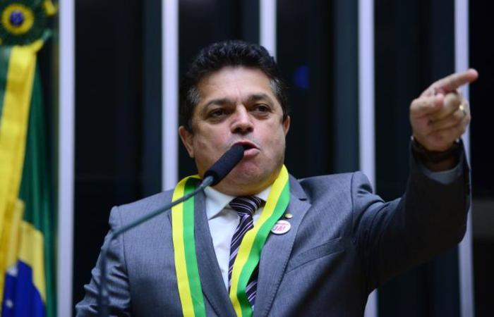 Foto: Nilson Bastian / Câmara dos Deputados, Divulgação / Câmara dos Deputados, Divulgação
