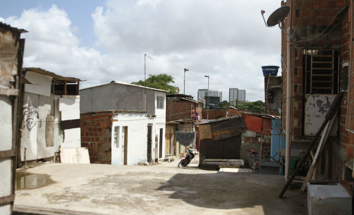 Comunidade Pocotó, no Túnel Augusto Lucena Foto: Julio Jacobina/DP