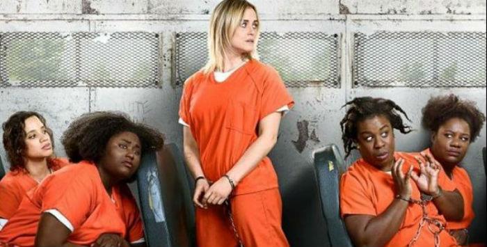 Personagens serão separadas e encaminhadas a uma penitenciária de segurança máxima após os eventos da quinta temporada. Foto: Netflix/Divulgação.
