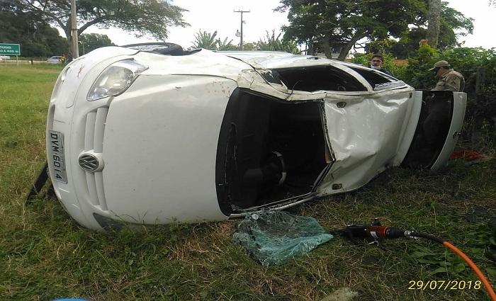 Apesar da gravidade do acidente, as vítimas não apresentavam traumas aparentes. Foto: Corpo de Bombeiros/Divulgação