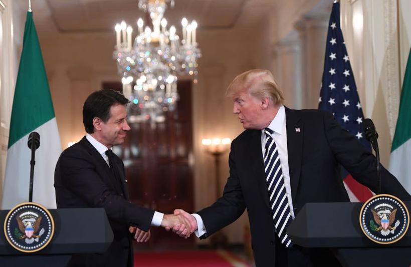 Giuseppe Conte foi escolhido à frente do governo italiano pelos líderes de partidos que venceram as eleições em março (foto: Saul Loeb / AFP)