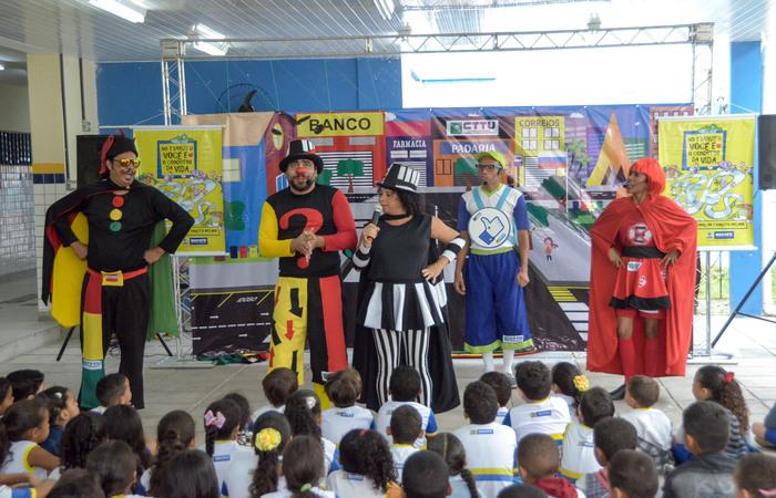 A Trupe da CTTU entrará nas escolas com apresentação de teatro para conscientizar as crianças. Foto: Luciano Ferreira/CTTU/divulgação