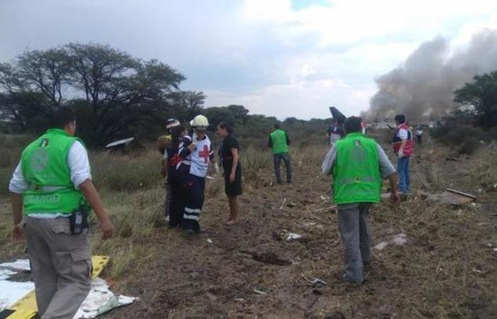 O voo faria a rota Durango - Cidade do México, mas enfrentou dificuldades após tentar decolar em meio a uma tempestade de granizo. Foto: Divulgação/Protección Civil Durango
