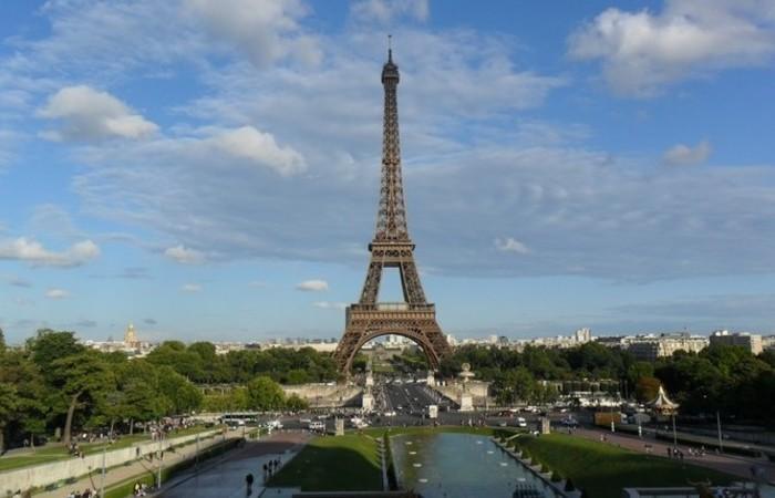 O emblemático monumento parisiense deixou de receber visitantes na quarta à tarde. Foto: Reprodução/PxHere
