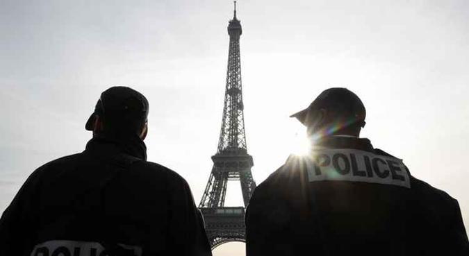 A nova lei punirá comportamentos agressivos em espaços públicos, caso testemunhados por forças de ordem. Foto: Crhistian Hartmann/AFP