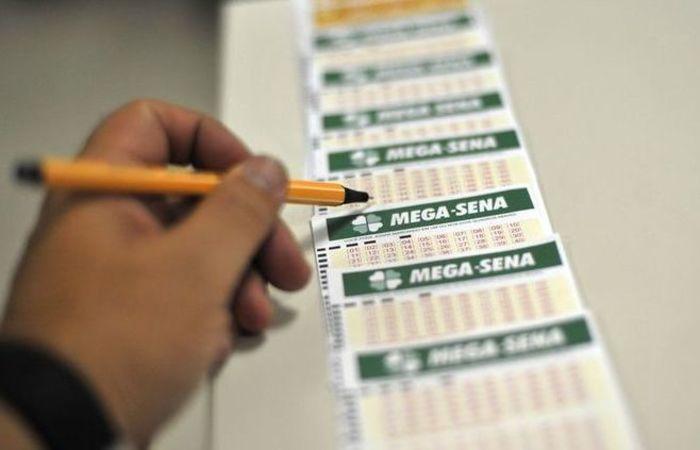 O sorteio do concurso 2.065 será às 20h (horário de Brasília) no Caminhão da Sorte que está em Catalão, em Goiás. Foto: Marcello Casal jr/Agência Brasil