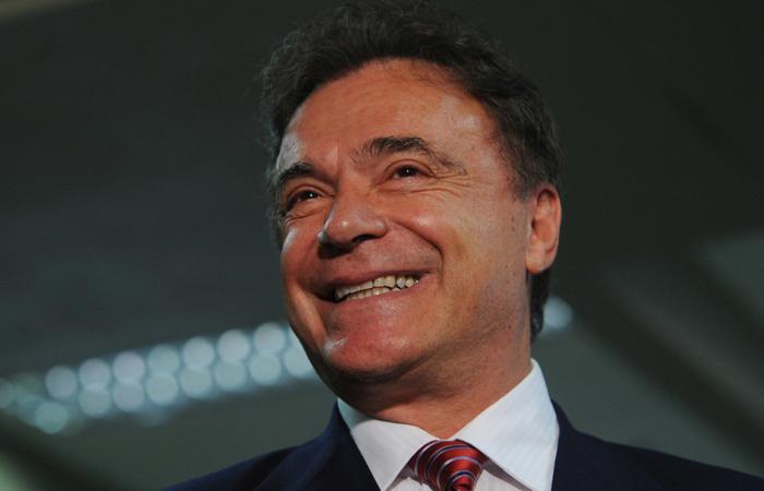 Álvaro Dias tem 73 anos e está no quarto mandato de senador. De 1987 a 1991, foi governador do Paraná, à época pelo PMDB. Foto: Reprodução/Internet