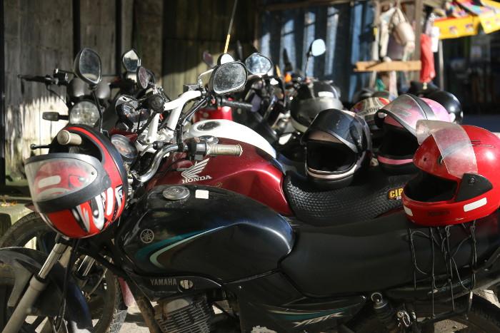Mototaxistas se converteram em opção diante da má qualidade do transporte público. Crédito: Gabriel Melo/Esp. DP (Crédito: Gabriel Melo/Esp. DP)