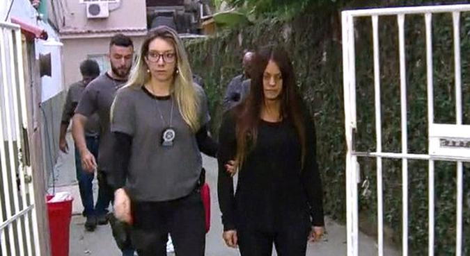 Paty Bumbum é presa em casa, em Curicica. Foto: Reprodução/TV Globo
