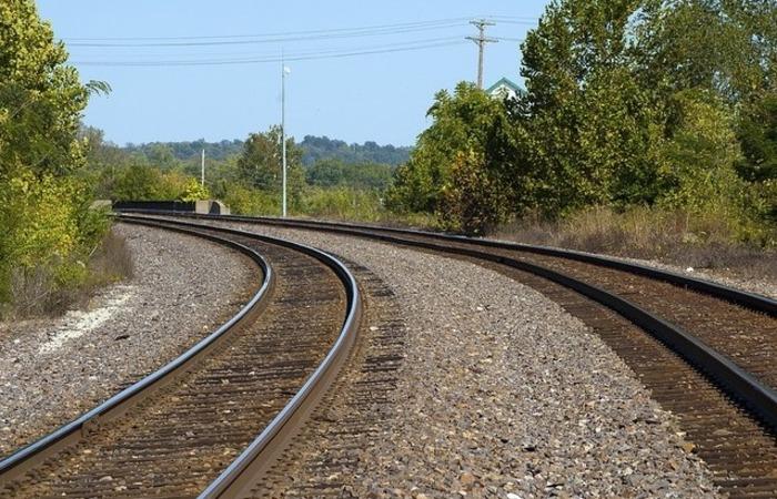 """Conhecida como a """"espinha dorsal"""" do sistema ferroviário, a Norte-Sul é parte crucial do mapa logístico nacional. Foto: Reprodução/Pixabay"""