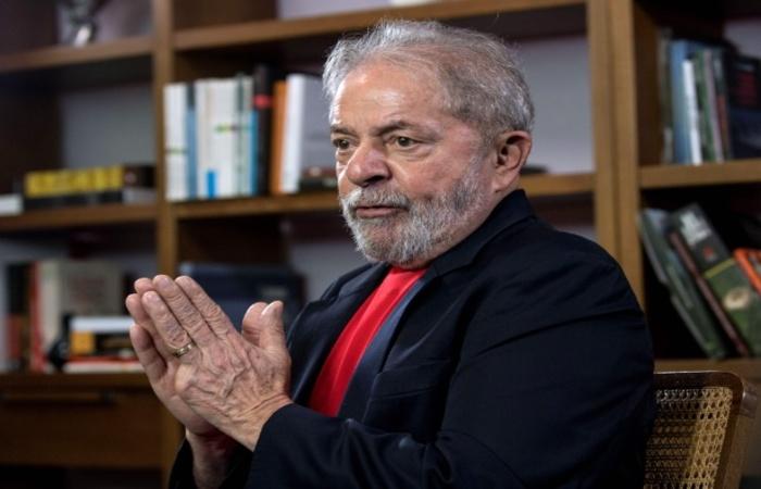 Lula diz ainda que é candidato porque não cometeu nenhum crime e deixou o cargo em 2010 com avaliação positiva recorde de 87%. Foto: Nelson Almeida/AFP (Foto: Nelson Almeida/AFP)
