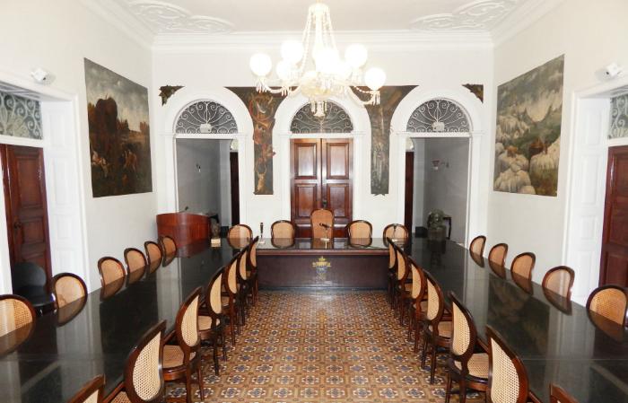 Atualmente, a APL é constituída por 40 cadeiras, ainda seguindo os moldes da Academia Francesa. Foto: APL/Divulgação