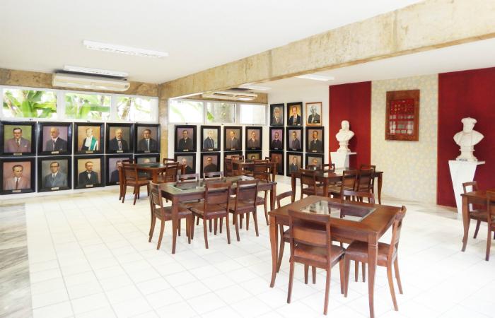 Presidente quer mais visitantes na biblioteca. Foto: APl/Divulgação