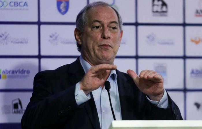 O PT acertou acordo com o PSB para isolar Ciro Gomes no campo da centro-esquerda. Foto: José Cruz/Agência Brasil