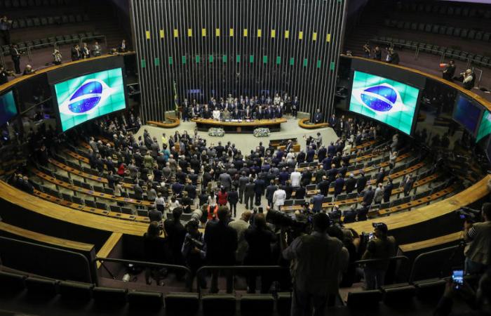Há quem defenda incluir a extensão dos vencimentos no orçamento de 2019 após as eleições, no que passou a ser chamada a 'votação da vergonha'. Foto: Agência Brasil