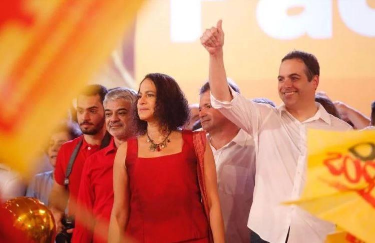 Para tentar ganhar os votos que seriam de Marília Arraes, Paulo Câmara pode alegar que recebeu apoio do PT e tentar se escorar no nome do ex-presidente Lula Foto: Instagram / Reprodução