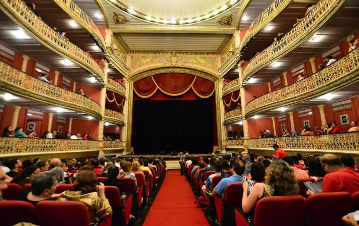 O auge da programação é na sexta-feira quando é celebrado o Dia Nacional do Patrimônio Histórico, com cerimônia no Teatro de Santa Isabel Foto: Jade Lacerda/Divulgação