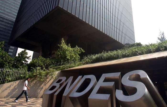 Com isso, nas contas de Oliveira, o BNDES terá fôlego para desembolsar o equivalente a 2% do PIB por ano. Foto: Agência Brasil (Foto: Agência Brasil)