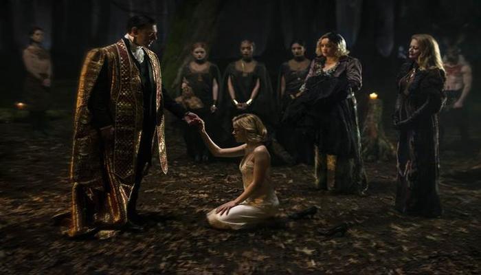 O papel principal ficou para a atriz Kiernan Shipka. Foto: Reprodução/Netflix