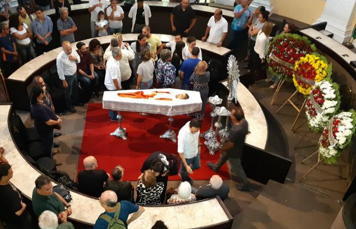 O corpo de Pimentel está sendo velado na Assembleia Legislativa. Imagem: Gabriel Melo/DP