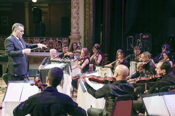 A orquestra subirá ao palco, sob a regência do maestro José Renato Accioly. Foto: Mia Comunicação/Divulgação