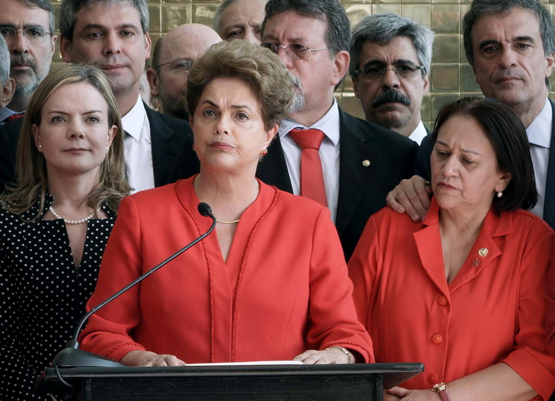 Embora seja figura central do filme, Dilma aparece pouco em tela. Crédito: Vitrine Filmes/Divulgação