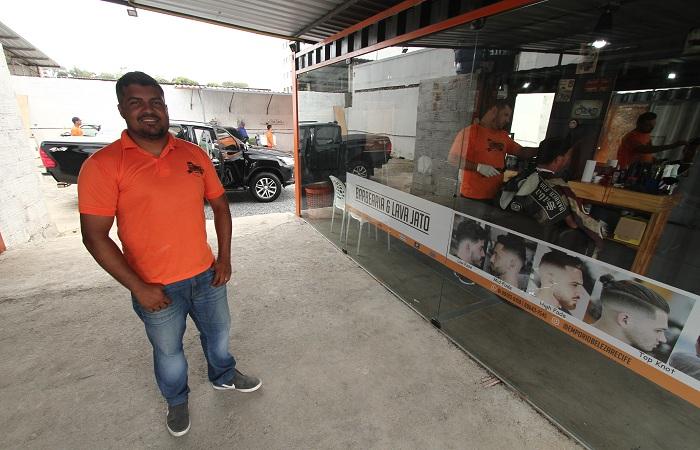 Guilherme encontrou no lugar onde mora uma oportunidade de empreender. Foto: Peu Ricardo / DP