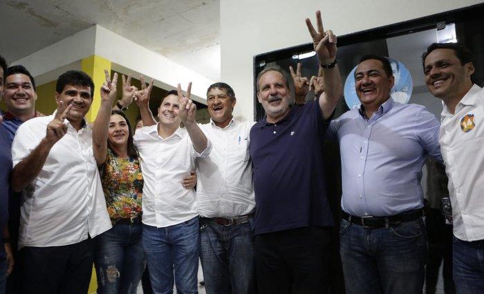 """Para Armando, chapa de Paulo tem senadores que representam a aproximação de """"cobra e jacaré"""". Foto Leo caldas/Divulgação"""