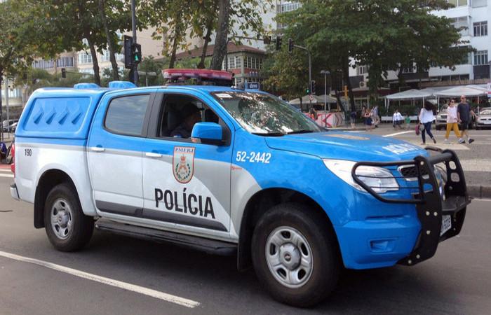 Na ação, foram apreendidos quatro fuzis, pistolas e os veículos roubados. Foto: Reprodução/Flickr