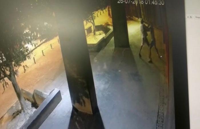 Imagens do circuito de segurança da estação, divulgadas pela Polícia, no momento em que ocorreu o crime. Imagem: PCPE/divulgação