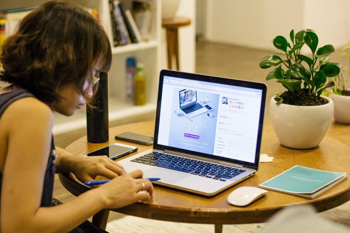 A internet gerou impactos fundamentais na política e faz parte da democracia e das disputas eleitorais. Foto: reprodução/PxHere