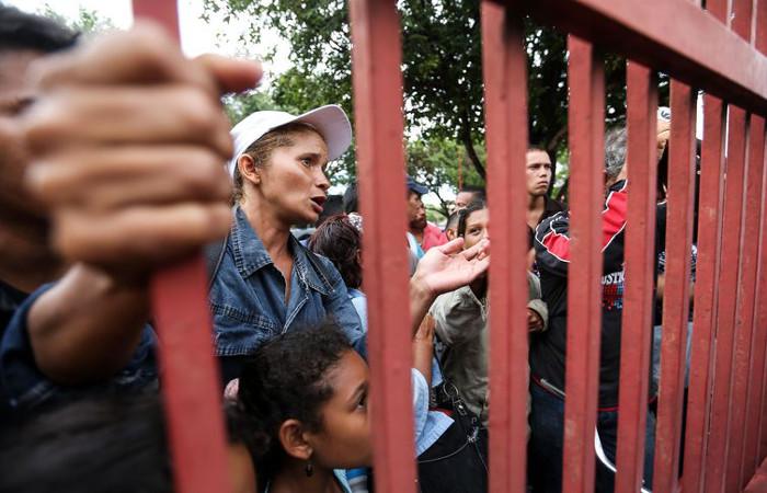 Venezuelanos aguardam vagas em abrigos para refugiados em Boa Vista. Foto: Marcelo Camargo/Agência Brasil