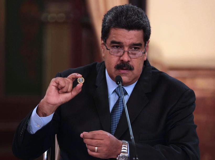 O país cortar cinco zeros das cédulas e mudou o nome da moeda nacional para bolívares soberanos. Foto: Zurimar Campos/ Venezuelan Presidency / AFP