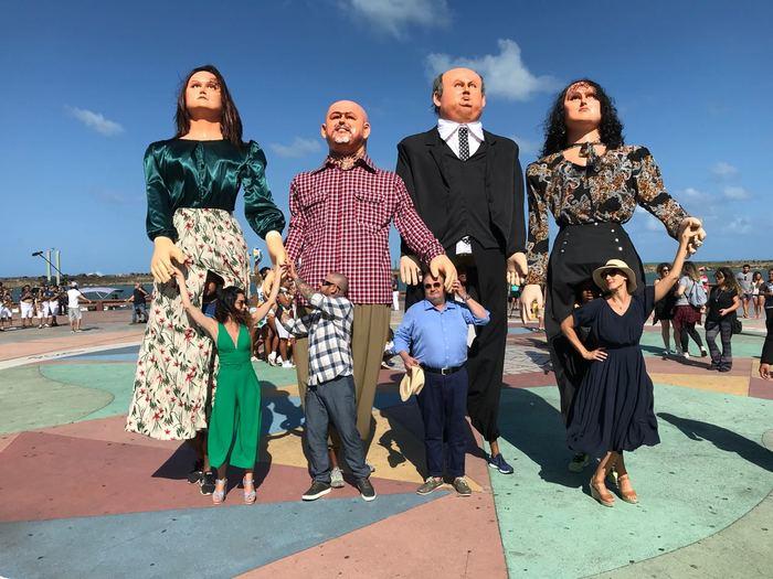 Apresentadora e jurados ganharam versões em bonecos gigantes. Foto: Carlos Reinis / Band