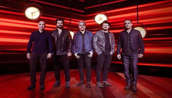 Para o show, a banda preparou sucessos como Dias Melhores, Amor Maior, Só Hoje entre outras canções repaginadas para o formato acústico. Foto: Divulgação