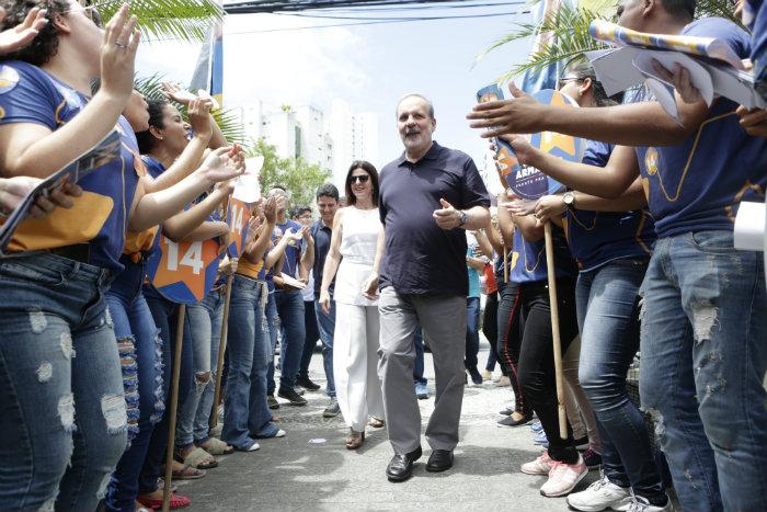 Armando Monteiro (PDT) em inauguração de comitê. Foto: Divulgação