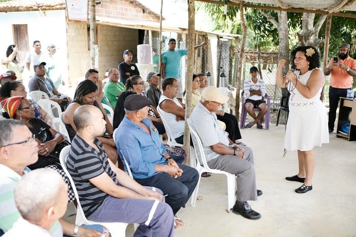 Candidata conversou com agricultores e afirmou que os direitos deles devem ser garantidos. Foto: Equipe Dani/Divulgação