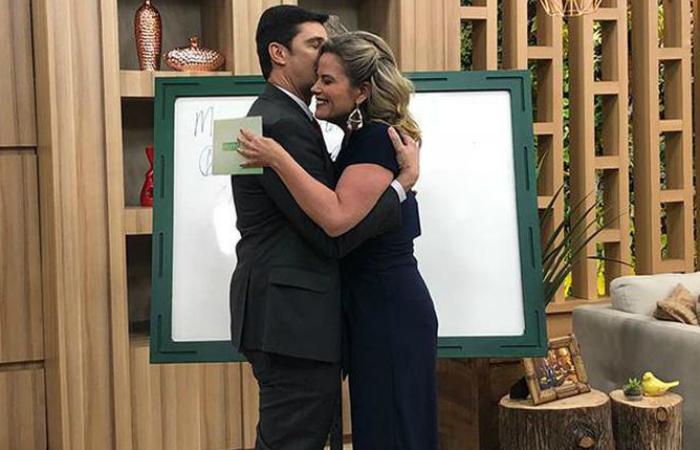 Mauro Calil e Maria Cândida se conheceram no programa e engataram o namoro. Foto: Youtube/Reprodução