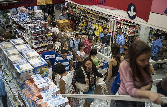 Incerteza do cenário político perto das eleições projeta crescimento menor das vendas no segundo semestre, diz a CNC. Foto: Marcelo Camargo/Agência Brasil (Foto: Marcelo Camargo/Agência Brasil)