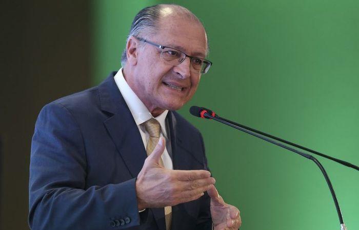 O candidato à presidência abriu o dia de campanha na Baixada Fluminense, região Metropolitana do Rio. Foto: Valter Campanato/ Agência Brasil