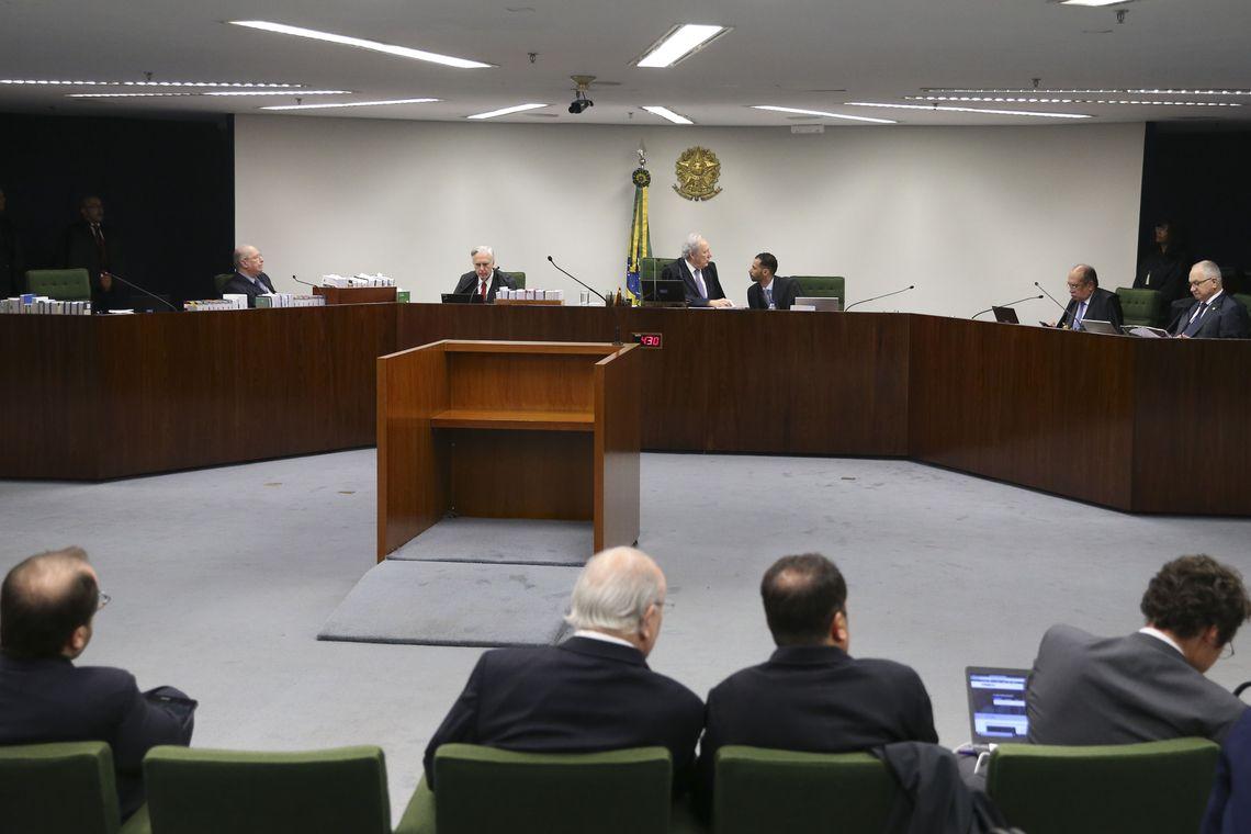 Votaram nesta quinta-feira (30) os ministros Celso de Mello e Cármen Lúcia. Foto: Valter Campanato/ Agência Brasil