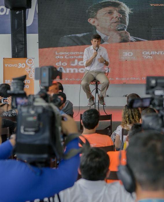 Presidenciável frisou apoiar a liberação de armas, mas ressaltou ter diferenças entre ele e Bolsonaro. Foto: Tiago Calazans/divulgação
