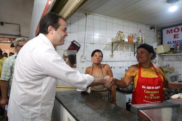 Paulo propõe a criação de um 13º para quem recebe Bolsa Família no estado. Foto: Helia Scheppa/PSB