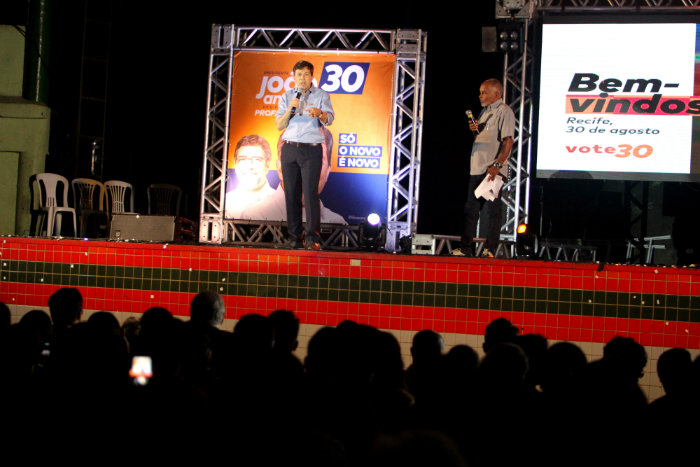 Candidato do Novo apresentou suas propostas. Foto: Nando Chiappetta/DP