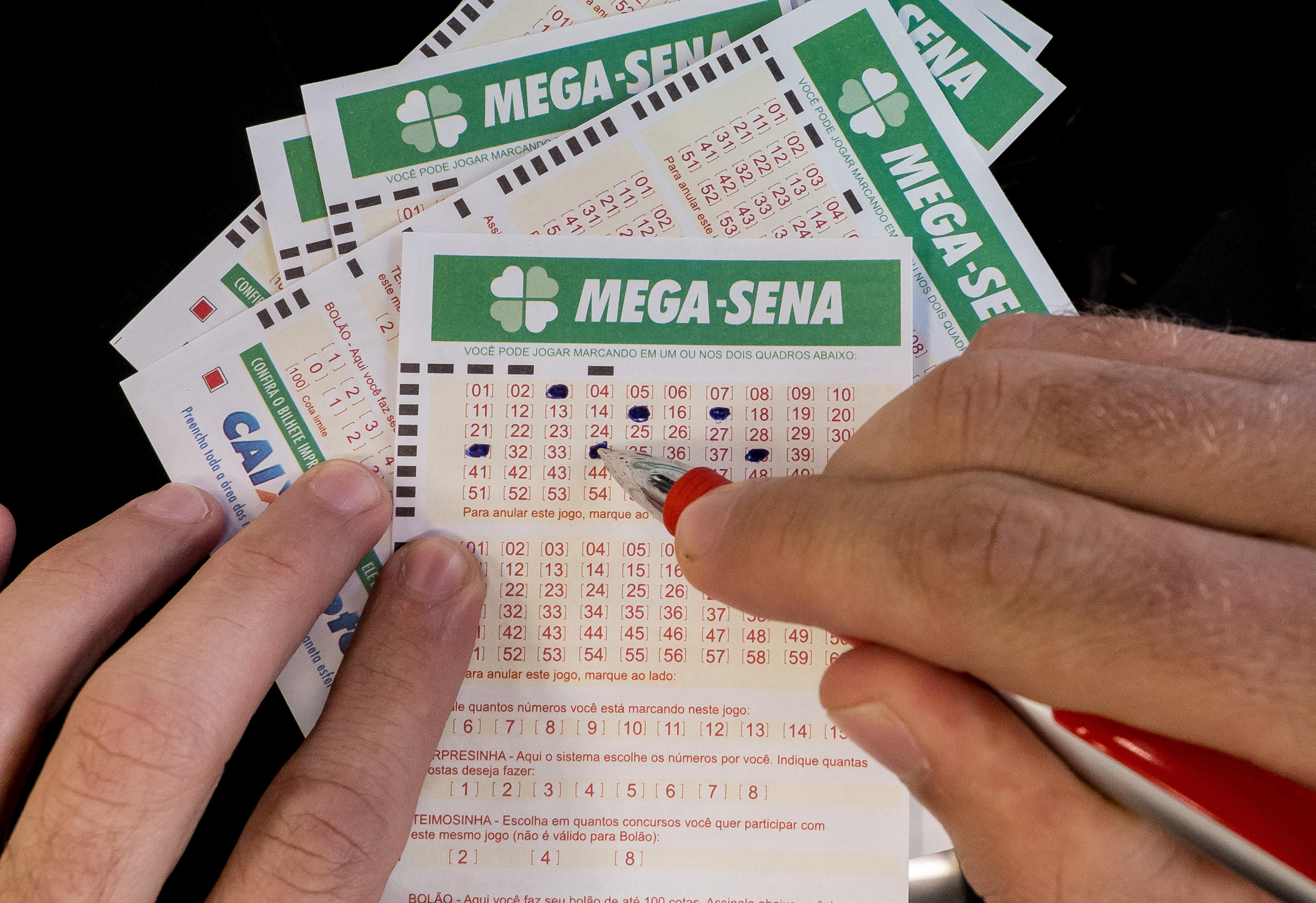 Quem acertar sozinho os seis números do sorteio vai levar o prêmio de R$ 45 milhões. Foto: Rafael Neddermeyer/ Fotos Públi  (Rafael Neddermeyer/ Fotos Públi )