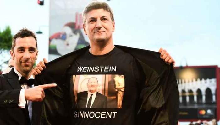 Luciano Garagnani protesta a favor do produtor Harvey Weinstein. Foto: AFP Photo