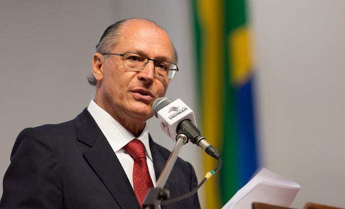 Desde o início da campanha presidencial, Alckmin vem sendo criticado pelos adversários por ter firmado uma aliança com os partidos do Centrão. Imagem: Agência Brasil